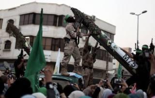 Brigade Al-Qassam dan roket M-75 (alresalah.ps)