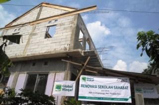 Rumah Belajar Anak (RBA) Sahabat Bumi, di perkampungan pemulung, Jurang Mangu Barat, RT03/RW01, Pondok Aren, Tangerang Selatan (Tangsel).  (act)