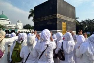 Ilustrasi. Calon jamaah haji mengikuti kegiatan manasik di asrama haji Pondok Gede, Jakarta.  (bewara.co)