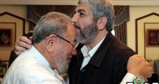 Syaikh Yusuf Al-Qaradhawi dan Khalid Meshal, kepala biro politik Hamas (palsharing.com)