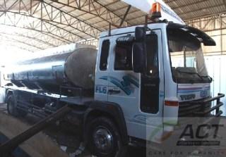 Sedang finishing process, truk baru pengangkut air bersih bantuan dari bangsa Indonesia via ACT untuk warga Gaza, Palestina (dok ACT)