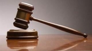 Ilustrasi palu pengadilan (elwatannews.com)