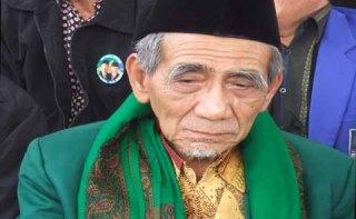 ketua Majelis Syariah DPP PPP KH Maimoen Zubair (mbah moen).  (radarcirebon.com)