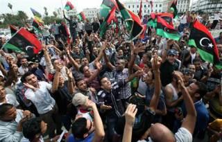 Pendukung revolusi melawan sisa-sisa rezim Qaddafi di Libya (thejennerjahreport.blogspot.com)