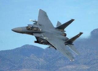Pesawat tempur F-15 milik AS (defense-update.com)