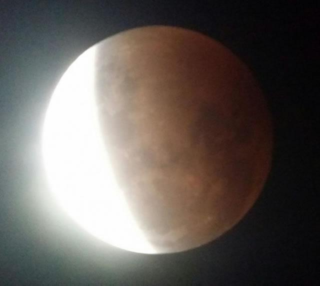gerhana-bulan-2014-10-08-07