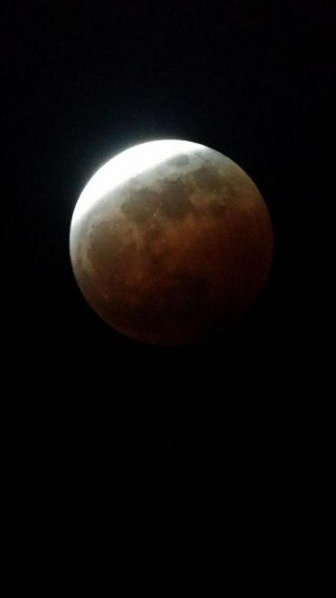 gerhana-bulan-2014-10-08-08