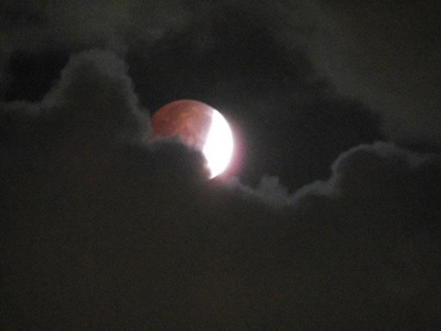 gerhana-bulan-2014-10-08-09