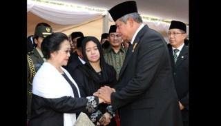 Megawati Soekarno Putri dan Soesilo Bangbang Yudhoyono.  (tempo.co