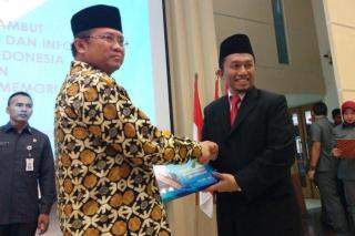 Tifatul Sembiring serah terima memori jabatan Menkominfo ke menteri yang baru, Rudianto. (pks.or.id)