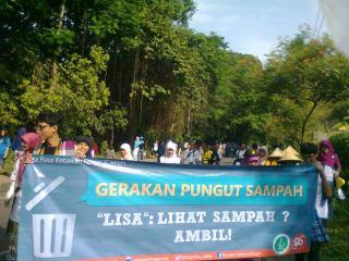 Duta CAKEP wilayah Bogor dalam aksi Gerakan Pungut Sampah (GPS)