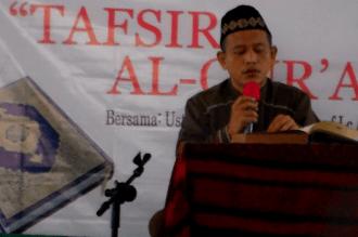 Ust Abdul Aziz Abdurrauf pada Kajian Tafsir di mesjid Bilal, ISTN Jagakarsa