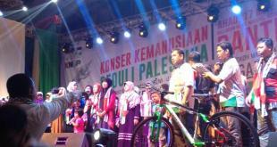 Konser 7 Kota (K7K) Jilid VIII Komite Nasional untuk Rakyat Palestina (KNRP) di kota Tangerang Banten. Ahad (17/5/15).  (KNRPMedia)