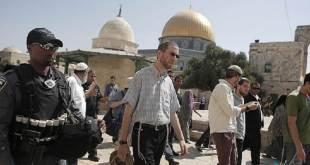 Pemukim ilegal Yahudi nistai Al-Aqsha. (islammemo.cc)