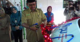 Walikota Kendari Musadar Mappasomba, SP. MP saat melaunching program kesehatan dan mobil  sehat PKPU, Jumat (11/9/15). .(ripta/kis/2015)