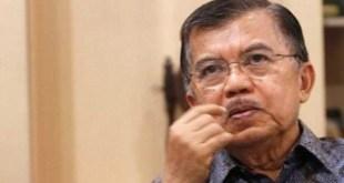 Wapres Jusuf Kalla dikabarkan menjalani operasi pemasangan ring jantung di RSCM, Rabu (9/9/15).  (lensaindonesia.com)