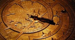Ilustrasi - Sebuah astrolab peninggalan sejarah Umar bin Yusuf bin ' Umar bin 'Ali bin Rasul al–Muzaffar. (flickr.com/charlestilford)