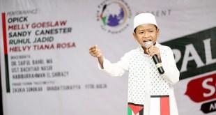 Fahrul Islam mengajak umat Islam untuk membantu Palestina dalam acara Palestine Solidarity Day, Ahad (29/11/15). (KNRPMedia)
