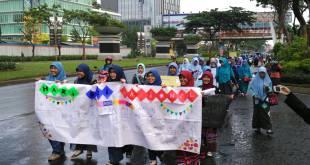 Jaringan Muslimah Daerah (Jarmusda) Banten menggelar aksi simpatik dalam rangka menyambut Hari Gizi Nasional. (eltriana)