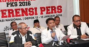 Presiden PKS saat konferensi pers Rakornas PKS, Rabu (13/1/2016). (ist)