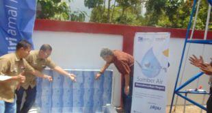 """Peresmian program """"Berbagi Air"""" di Dusun Citamiang Kabupaten Garut, Sabtu (27/8/2016). (kis/Doni/PKPU)"""