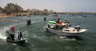 Patroli Polisi Hamas Palestina di Pantai Gaza pada 29 Mei 2010 dalam mempersiapkan kedatangan 'Freedom Flotilla'.