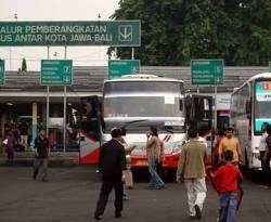 Terminal bus Pulo Gadung, Jakarta Timur (beritajakarta.com)