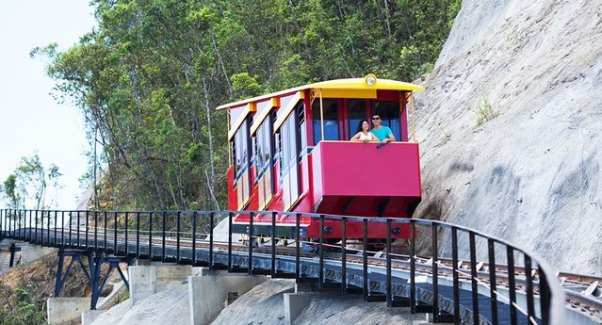 The special train with cog railway at Ba Na
