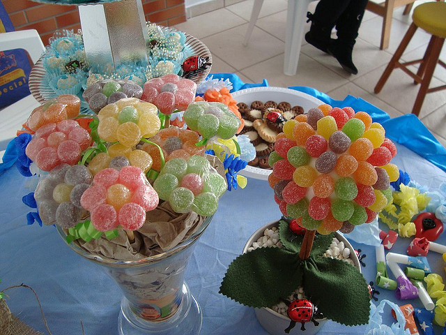 a5dc4e489763 Flores con gomitas - Dale Detalles