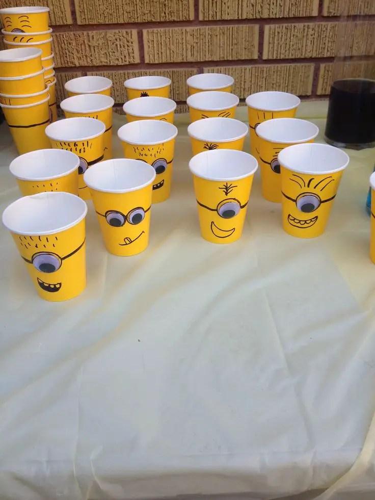 Ideas para fiesta infantil de minions dale detalles - Decorar vasos plasticos para cumpleanos ...