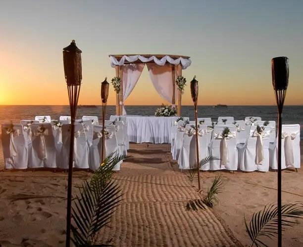 Matrimonio Catolico En La Playa : Boda en playa dale detalles