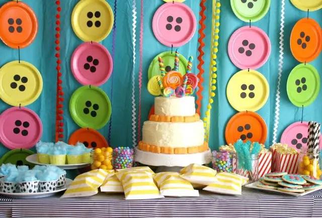 Decoraci n para fiesta con platos desechables dale detalles for Decoracion infantil barata