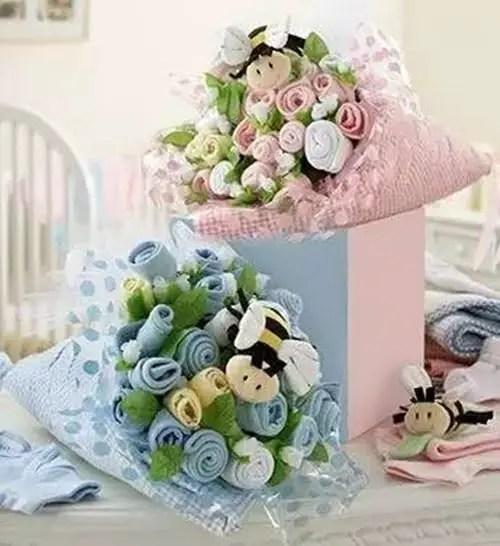 bouquet con ropa de bebe18