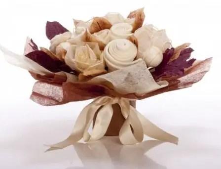 bouquet con ropa de bebe8