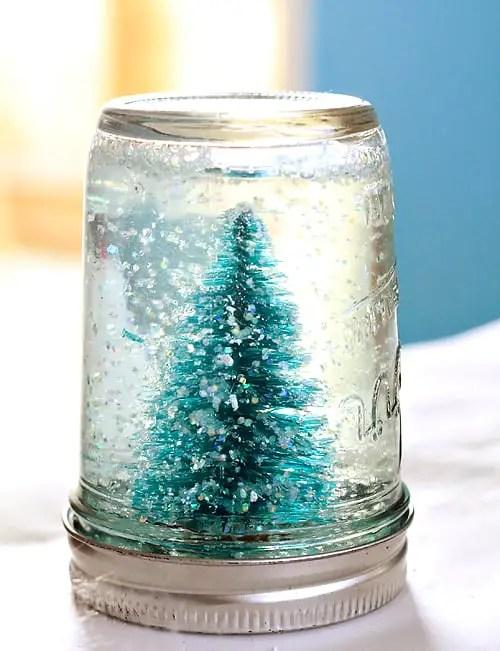 globo-de-nieve-con-frasco-de-vidrio3