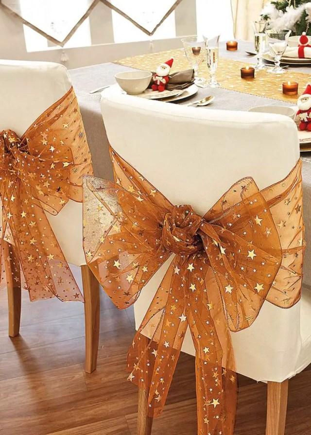 Decora las sillas de tu comedor en Navidad con estas
