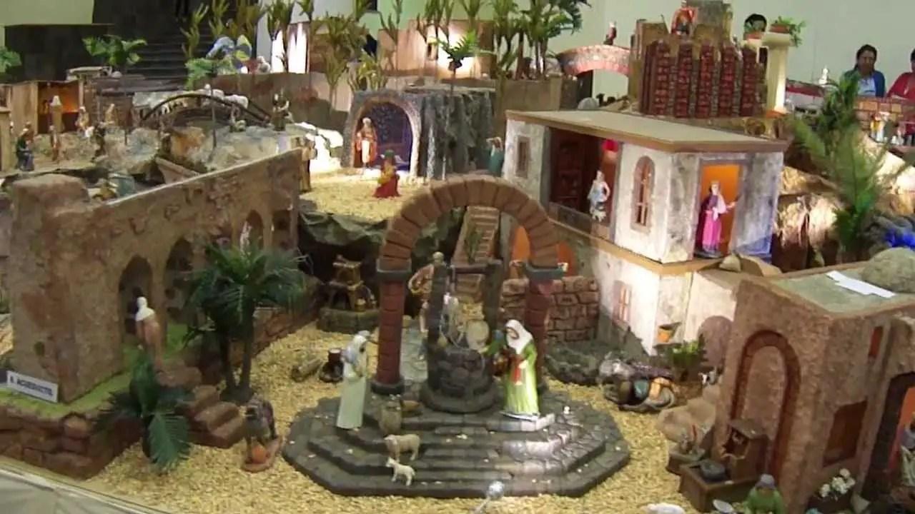 Hermosos nacimientos o belenes navide os dale detalles - Portales de belen originales ...
