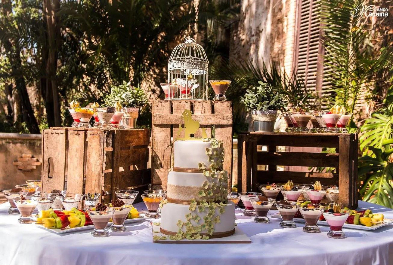 Mesas de dulces usando cajas de madera dale detalles for Decoracion para mesa dulce
