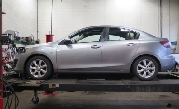 Mazda 3 in for Eibach Pro-kit and a set of KYB struts and shocks