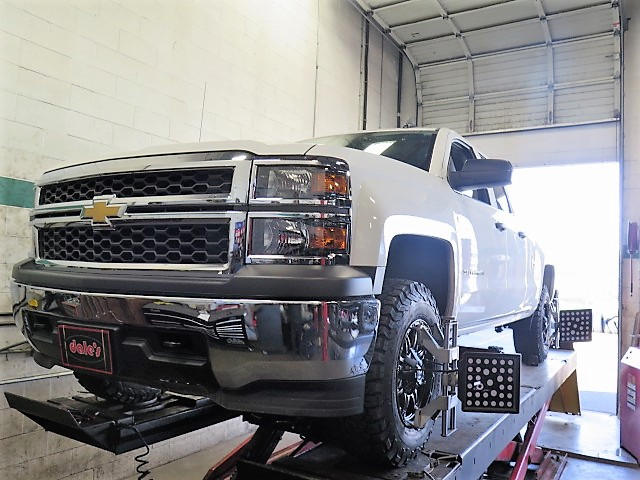 Chev Silverado 1500 in for a TRUXXX Leveling Kit and BFG AT KO2