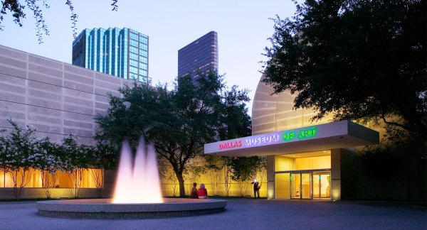 Dallas Museum Of Art Arts District