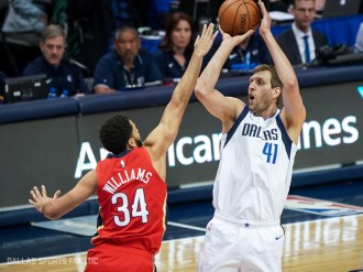 Dirk Nowitzki passes Wilt Chamberlin for 6th all-time on the NBA scoring list