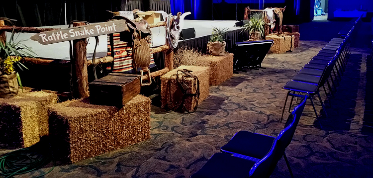 WESTERN PROPS DECOR WESTERN PARTY PROPS WESTERN STAGE PROPS TEXAS PROPS TRADE SHOW