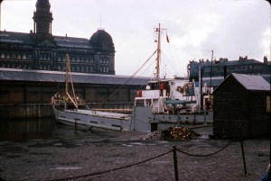 Kingston Dock ICI ship Cerium Colour 220