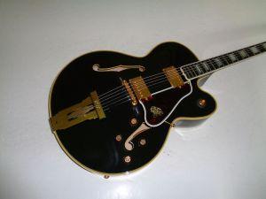 Nachbau einer Gibson L5 von 1994, zum hundertjährigen Jahrestag