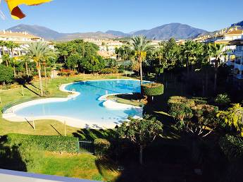 4 bedroom middle floor apartment – 320,000 euros