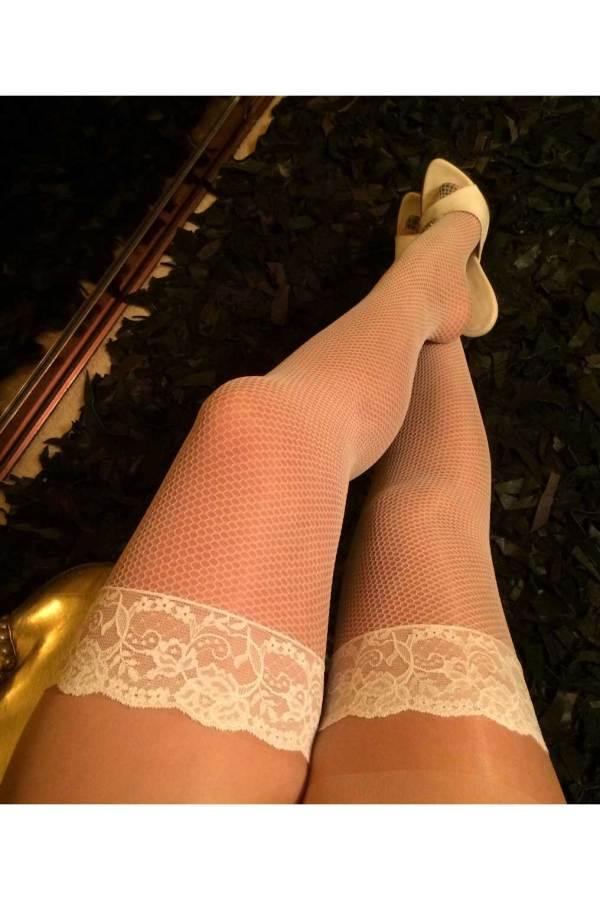 Κάλτσες με καλτσοδέτα
