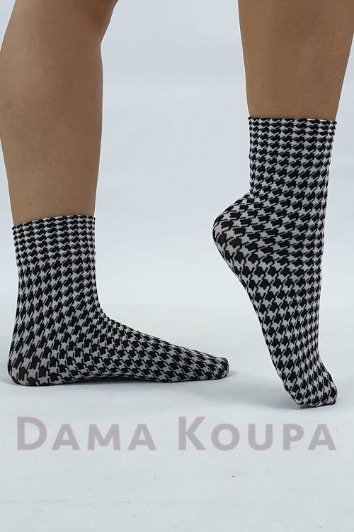 Κοντές μοδάτες κάλτσες