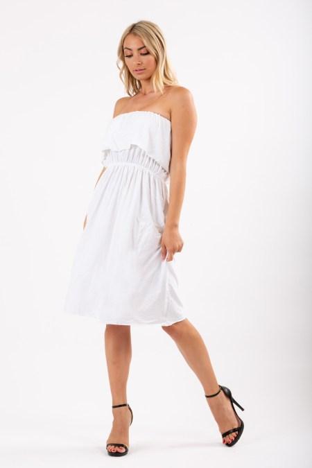 Άσπρο φόρεμα για τη θάλασσα