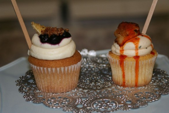 Buffalo Chicken & Blueberry French Toast cupcakes from [desi]gn cakes & cupcakes